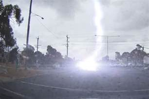 Lightning Strike Hits Car Australia What To Do If You Think Your Car Was Struck By Lightning