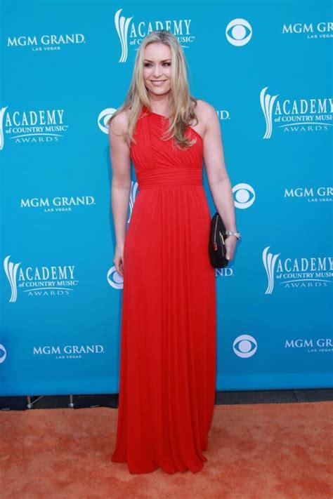 Fashion Faceoff Lindsay Vs by Acm Awards Fashion Carrie Underwood Vs