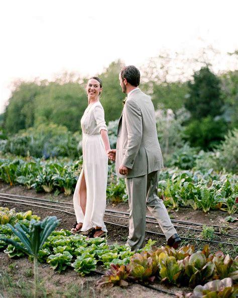 Casual Wedding Photos by A Casual Outdoor Wedding On A Farm In Martha