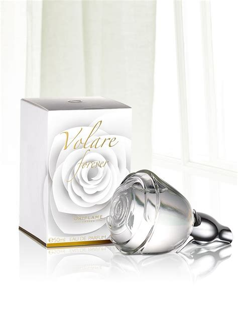 Parfum Oriflame Signature Zoom envelop yourself in s tender embrace with the floral