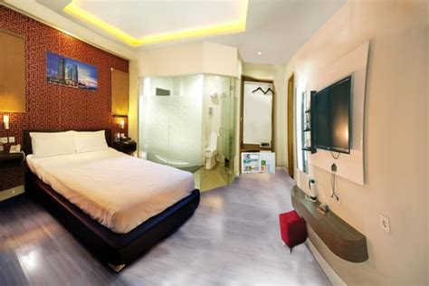 Hotels With Mirrors On The Ceiling by Hotel Review Of Antoni Hotel Jakarta Indonesia