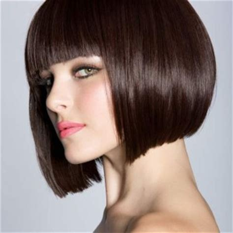 bib haircuts that look like helmet rock the look everyday chic with shorts