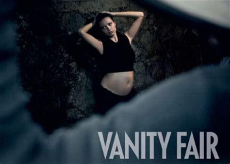 Vanity Fair Calendar by Lima Bares Baby Bump In The 2013 Pirelli