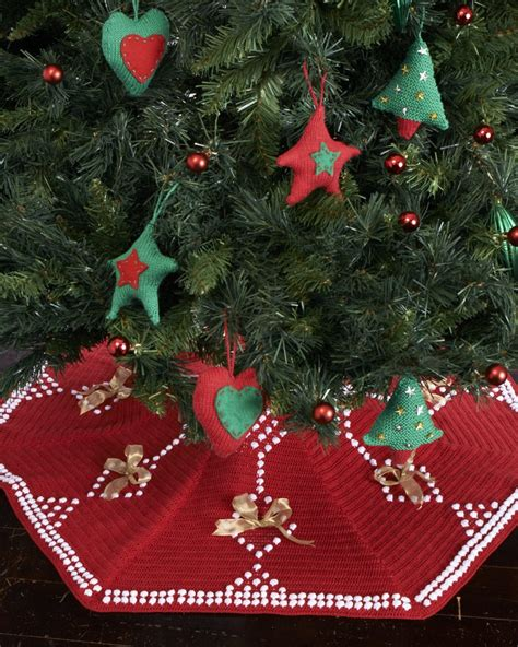 17 best images about christmas tree skirts on pinterest