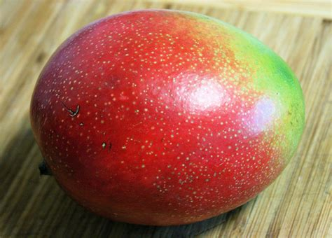 what color is a ripe mango how to slice a mango sacchef s