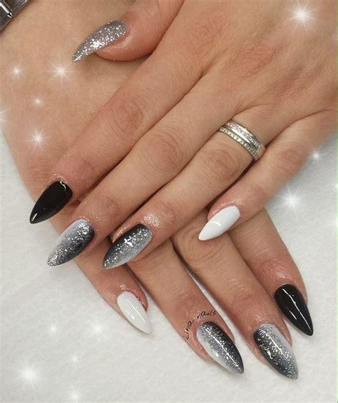 Manicure Di The Nail Shop pi 249 di 25 fantastiche idee su unghie in bianco e nero su