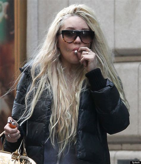 amanda bynes tells of hair woes as she gets more extensions