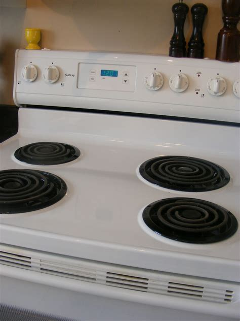 stoves how to clean electric stove top