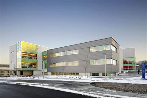 How To Landscape A Yard On A Budget Seneca College Newnham Campus A Building Dialog