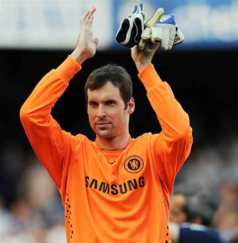 chelsea goalkeeper cech set to cash in with new 163 90 000 per week contract at