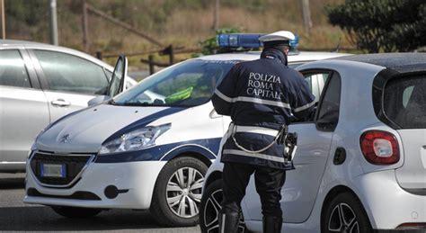 ufficio multe roma roma in comune i conti non tornano 171 multe e rimborsi ai