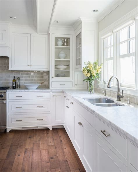 simply white or cloud white for kitchen cabinets benjamin moore winds breath design ideas