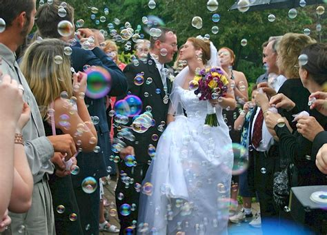 Wedding Aisle Bubbles by Using Bubbles In A Wedding Ceremony