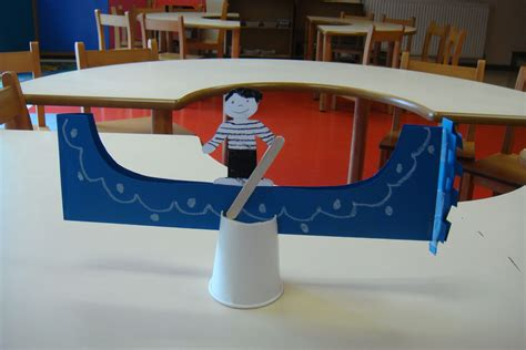 art project for italian christmas tradition gondola craft for italy school ideas