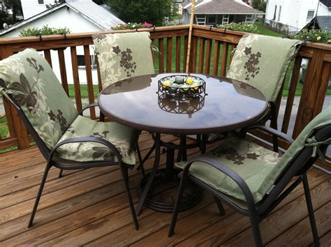 Inexpensive Patio Chairs by Patio Furniture On A Budget Chicpeastudio