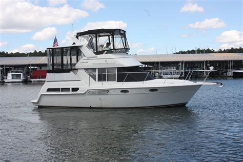 cabin boats for sale nc 1998 carver 325 aft cabin power boat for sale www