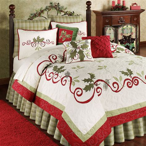 holiday comforters sets holiday garland holly quilt bedding