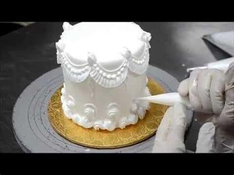 decorar un cake con merengue c 243 mo decorar un pastel tutorial decorando con royal
