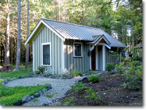 How To Build A Guest House In Backyard by In Backyard Cottage Small Backyard Guest House