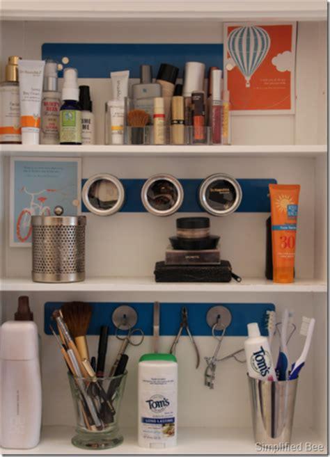 organizing bathroom cabinets 31 days of spontaneous organizing day 15 bathroom