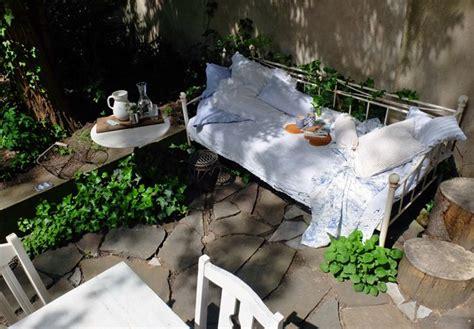 Garten Deko Paradies by Kannenschwank Flocks Am Gartenbett Eisenbett