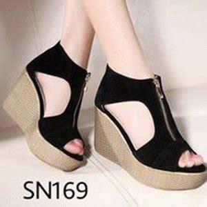 Terlaris Fom Hitam Sepatu Wedges Wanita jual beli sandal wanita termurah wedges terbaru sendal