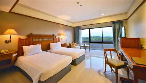 deluxe room deluxe room information size detailed amenities loei palace hotel loei thailand