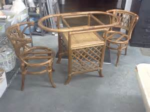 Wicker Kitchen Table And Chairs I Found A Small Oval Wicker Table And Two Chairs When The