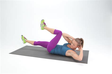 how to do bicycle crunches popsugar fitness
