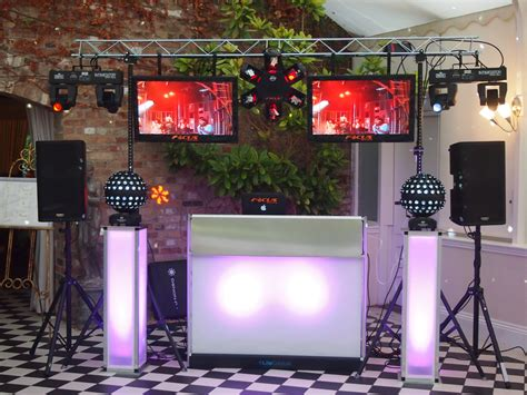 mobile consolle dj mobile dj and disco photobooth in hertfordshire