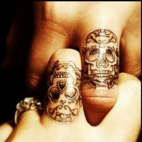 best friend finger tattoos same skull tattoos on finger for friends