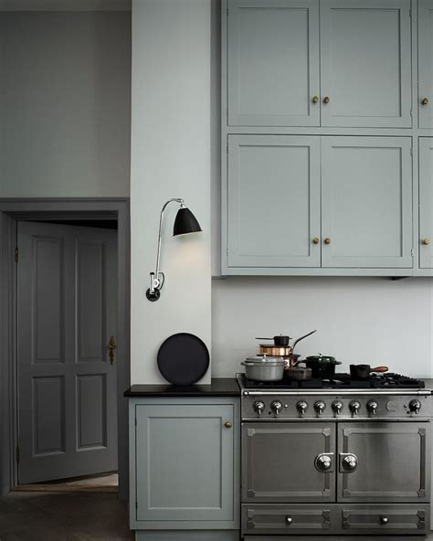greige interior design ideas and inspiration for the transitional home grey and black kitchen