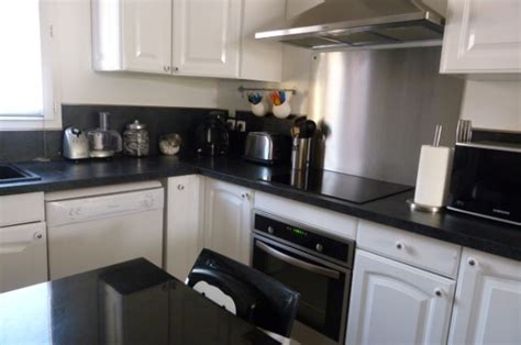 cuisine blanche et noir cuisine blanche noir inox 8 photos smarti26