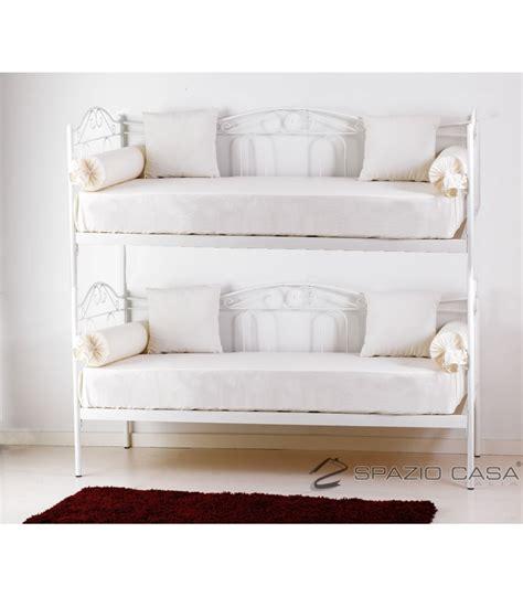 divani letto con doghe in legno divano letto a in ferro battuto con rete