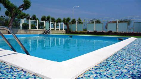piscina gabbiano fersinaviaggi it hotel gabbiano senigallia ancona