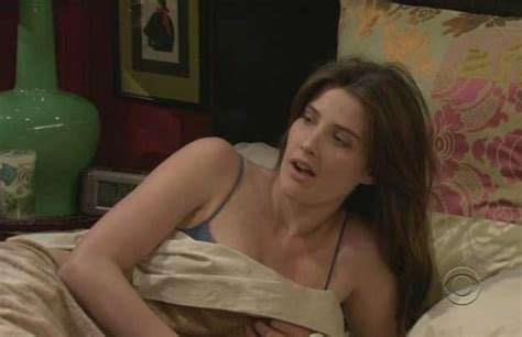 Cobie Smulders Photo Gallery Hot Photos And Wallpapers Of