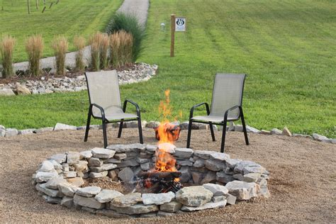 How To Create A Beautiful Inexpensive Backyard Fire Pit Backyard Firepit