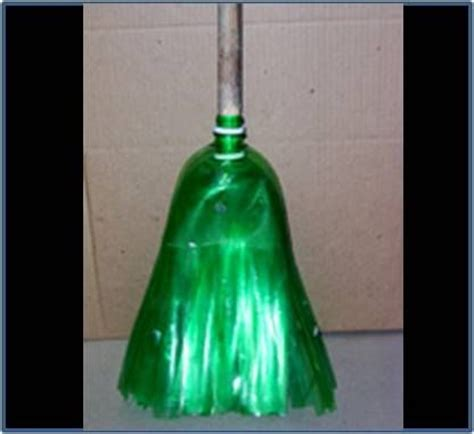Recycled Bottle 2 Tiara Aksa Keterilan broom from a 2 liter bottle really random upcycling ideas pinte