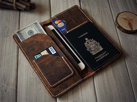 Iphone Handmade - the handmade iphone 6 leather wallet holds your daily