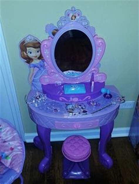 Princess Sofia Vanity Set by 1000 Images About Laylas Bedroom On Sofia The