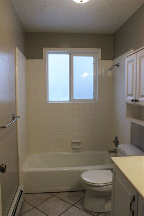 Tiling A Bathtub Shower Surround by How To Remove A Tile Tub Surround With Metal Mesh