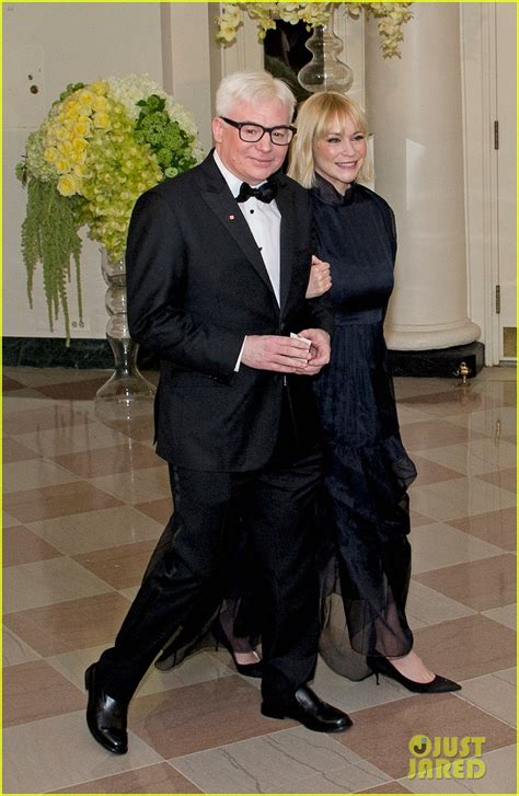mike myers grey mike myers debuts new gray hair at the white house photo