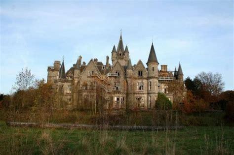 huis kopen nederland als belg a hauntingly beautiful abandoned castle in belgium 44