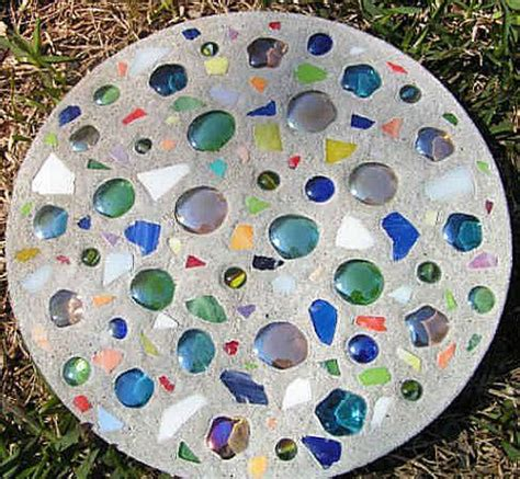 Handmade Stepping Stones - stepping stones craft ideas