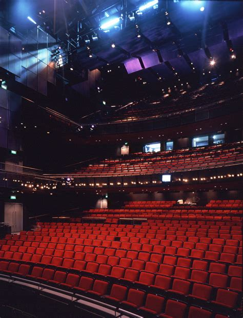 Family Restaurants Near Covent Garden - peacock theatre london nearby hotels shops and restaurants londontown com