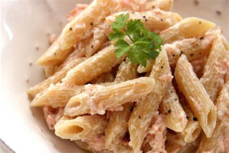 ricette primi piatti con panna da cucina ricette primi piatti come fare le penne al salmone