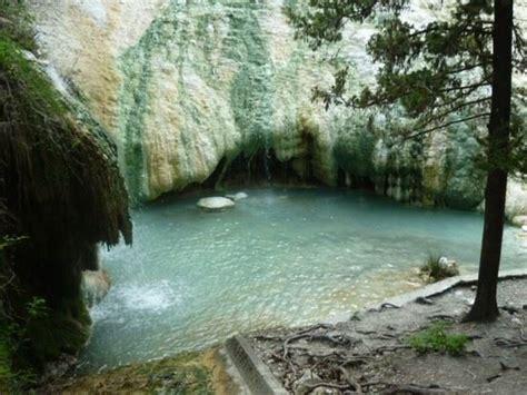 bagni di san filippo siena foto bagni san filippo a castiglione d orcia 550x412