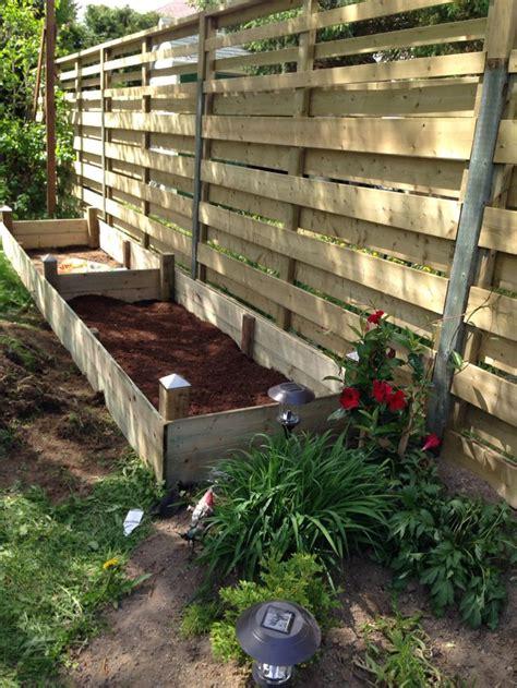 Horizontal Planter Box by Horizontal Fence Planter Box House Diy