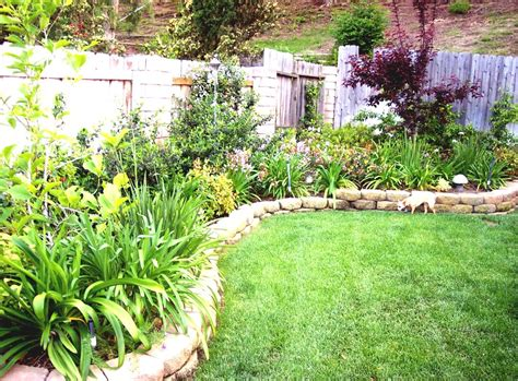Backyard Easy Landscaping Ideas Simple Vegetable Garden Ideas For Your Backyard With Flower Plants Goodhomez
