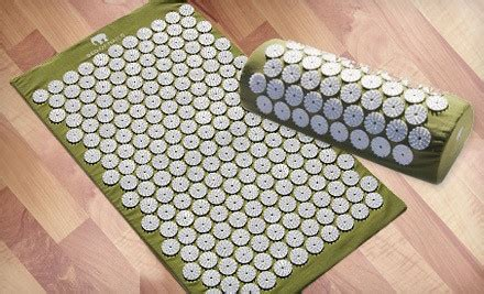 bed of nails mat up to 52 off a bed of nails mat and pillow groupon